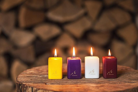 Aroma Augustian Candles